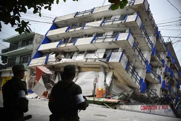 170908-mexico-earthquake-4-ew-326p_e9ba9d74ca848450704463d0efc087fc-nbcnews-ux-2880-1000