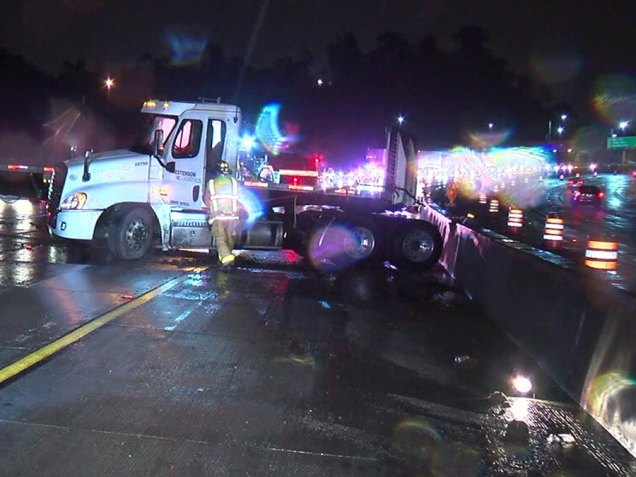 big_rig_crash_i_15_010918b_1515512437872_75653689_ver1.0_900_675